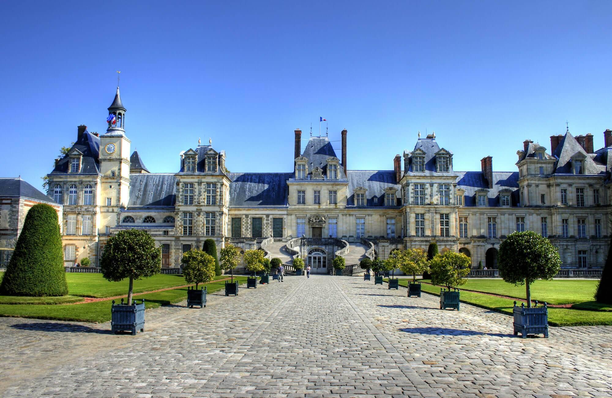 Fontainebleau Escorts